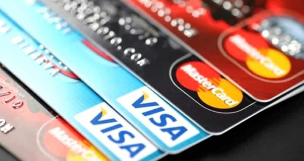 Kredi Kartlarını Hangi Kurye Firması Getiriyor